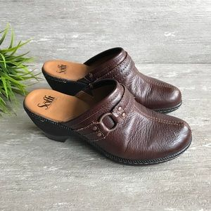 Sofft Leather Clogs Mules Brown